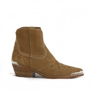 Lois Boot Light Brown